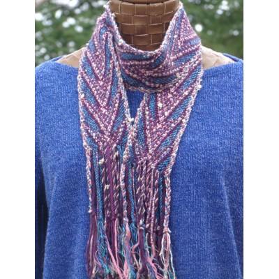 Parure vestimentaire fléchée - Têtes de flèche perlées, oeil, bordures